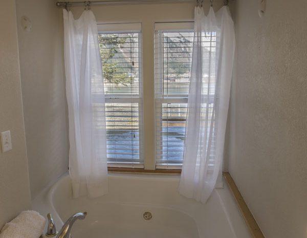 grand-tub-view